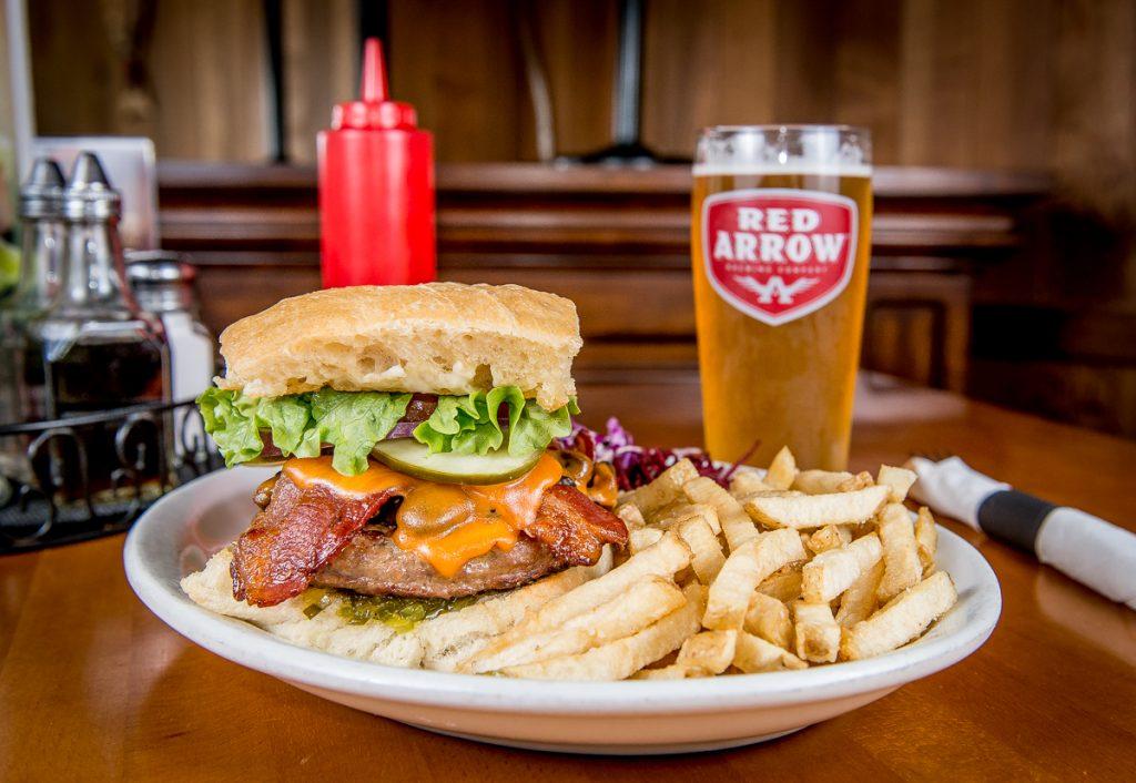 Deluxe-Bay-Burger-2017