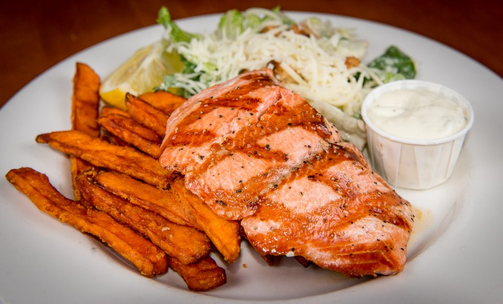 Grilled-Salmon-2017